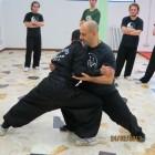 Il M° Mandrà spiega come mantenere una postura corretta nel corpo a corpo